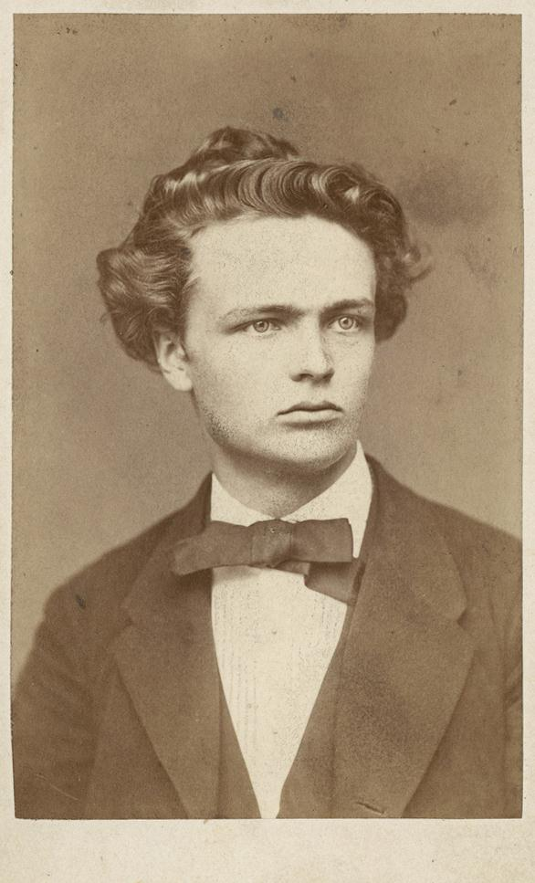 august strindberg selected essays Johan august strindberg ( swedish: 22 january 1849 – 14 may 1912) was a swedish playwright, novelist, poet, essayist and painter a prolific writer who often drew directly on his.